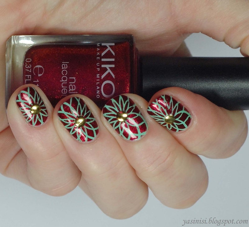 red and mint nail art by Yasinisi