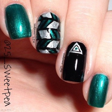 Abstract nail art by 25_sweetpea