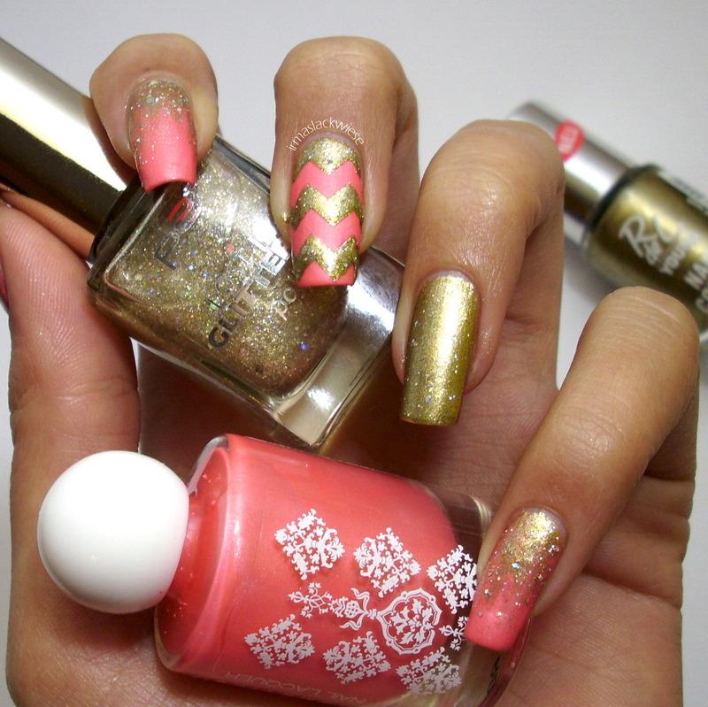 gold & chevrons nail art by irma