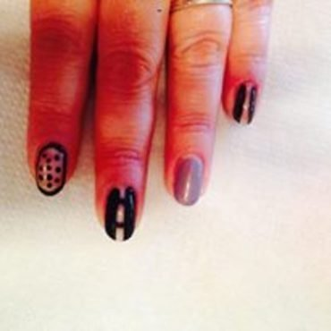 lace and negative space nail art by Tatti