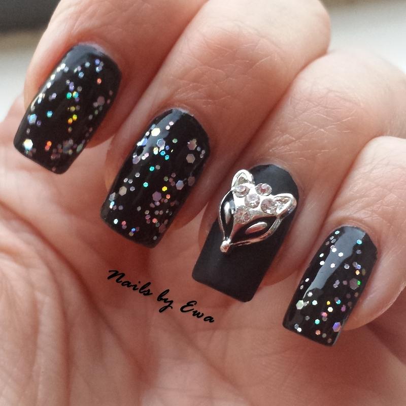 Black nails nail art by Ewa