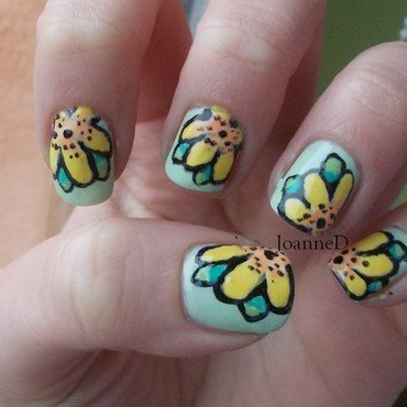 Yellow flowers nail art by JoanneD