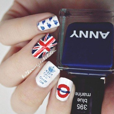 London  nail art by katharinapeskelidou