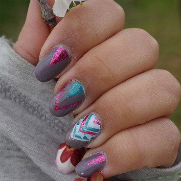 geometric nails nail art by Cathy Neves