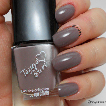 Tanya Burr Penguin Chic Swatch by Aby