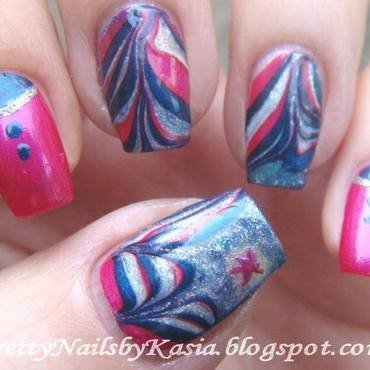 Water marble nail art by Pretty Nails by Kasia