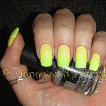Lime Crime Crema De Limón, Lime Crime Pastelchio, and Inm Out The Door Silver Hologram Topcoat Swatch by Diana van Nisselroy