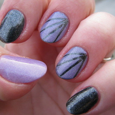 Black & Violet nail art by Nail Crazinesss
