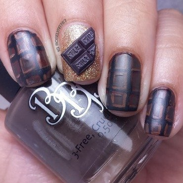 Chocolate Nails nail art by Rose Mercedes