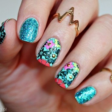 Spring Flowers nail art by Amethyst