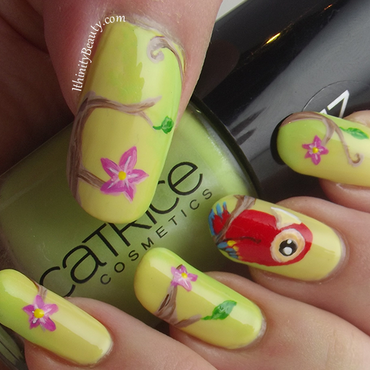 Day Dreamin' In The Tree Tops nail art by Ithfifi Williams