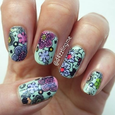 Spring Flower  nail art by D4zzling Me