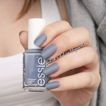 Hema Matte Topcoat and Essie Petal Pushers Swatch by katharinapeskelidou
