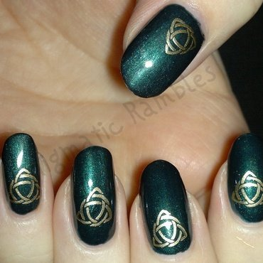 Celtic Knot Nails nail art by Enigmatic Rambles
