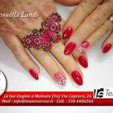 red roses nail art by Rossella Landi