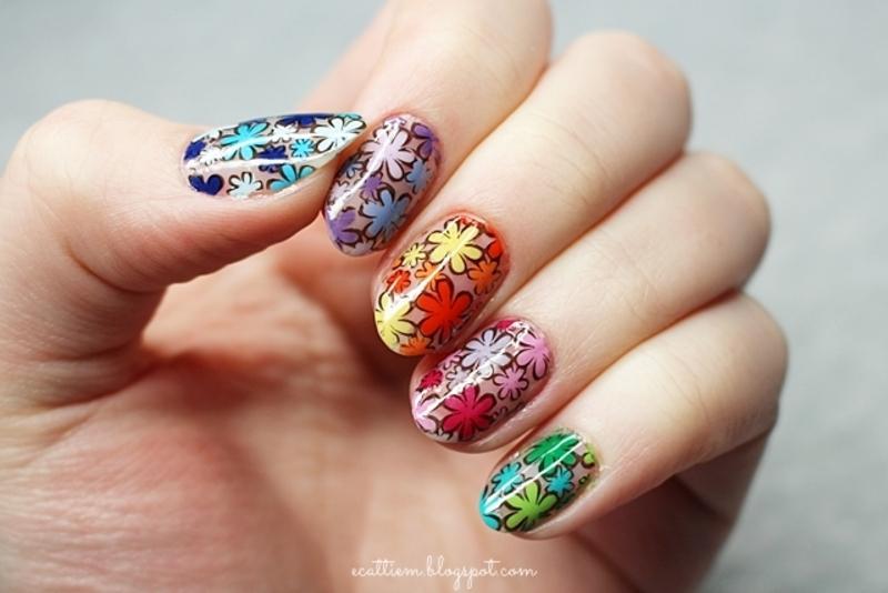 NEGATIVE FLOWER POWER nail art by ecattiem
