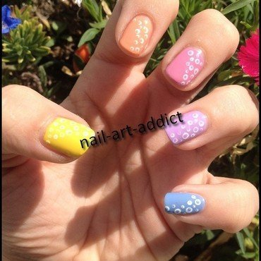 Nail Art : Pois & Pastels nail art by SowNails