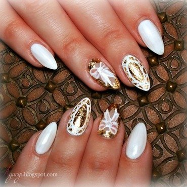 Little bit of gold nail art by Agacys