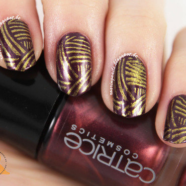 Swishie Stamping nail art by Robin