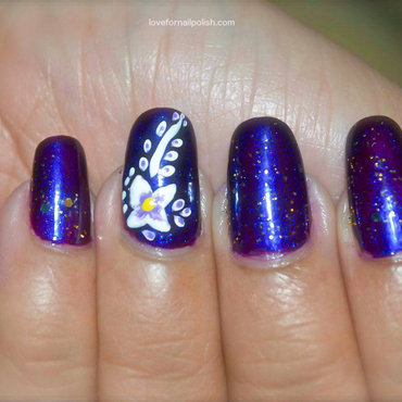Purple 20and 20white 20flower 20nail 20art thumb370f