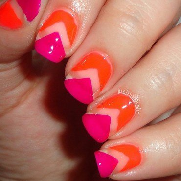 Neon Negative Space nail art by Melany Antelo