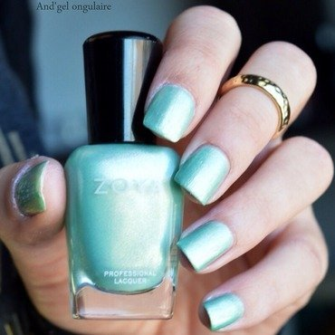 Zoya Dillon Swatch by And'gel ongulaire