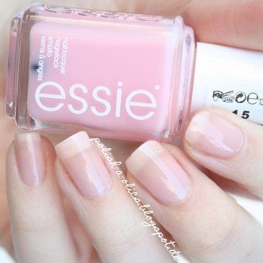 Essie Sugar Daddy Swatch by katharinapeskelidou