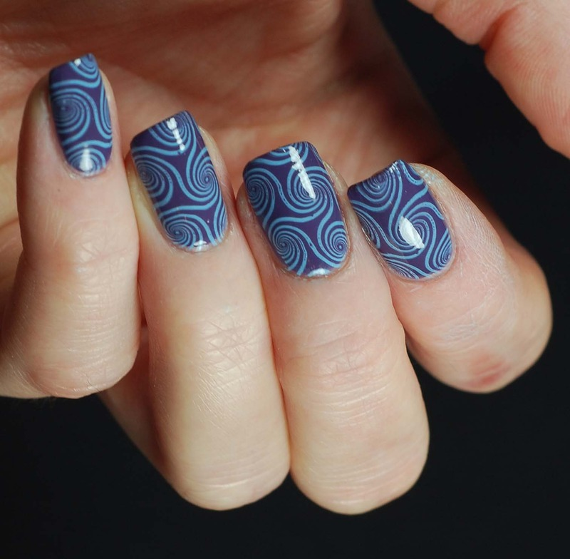 Purple and blue nail art by Yasinisi