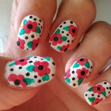 Flowers everywhere nail art by Nail Crazinesss