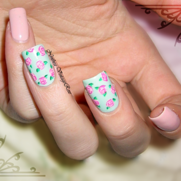 Vintage roses nail art by Ninthea