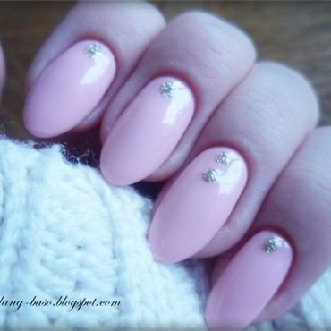 Delicate nails nail art by lilang_baso