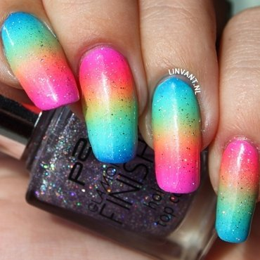 Somewhere Over The Rainbow nail art by Lin van T