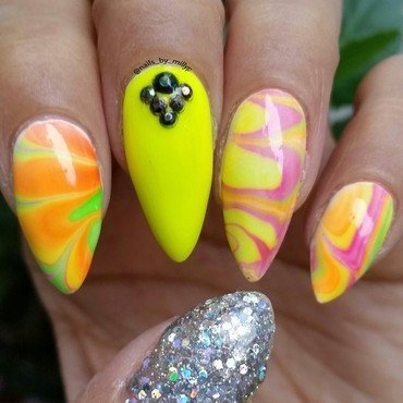 Groovy nail art by Milly Palma