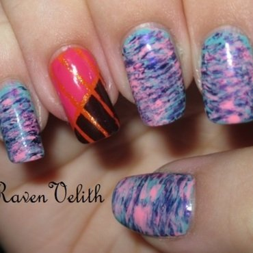 Fanbrush Stripes nail art by Lynni V.