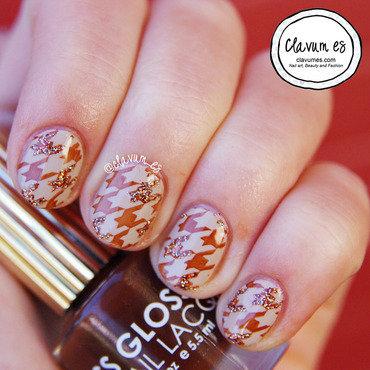 Houndstooth Nail Art nail art by Melissa (Clavum Es)