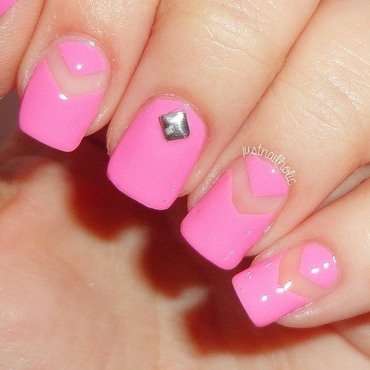 Pink Negative Space nail art by Melany Antelo