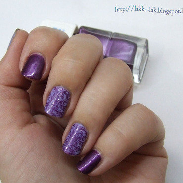 Purple mania nail art by Barbara P.