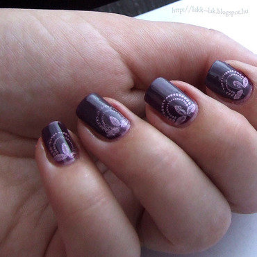 Purple Queen nail art by Barbara P.