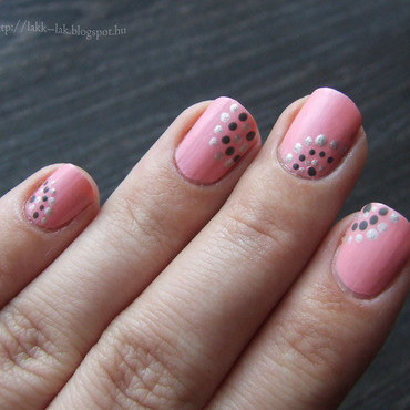 Some dots nail art by Barbara P.