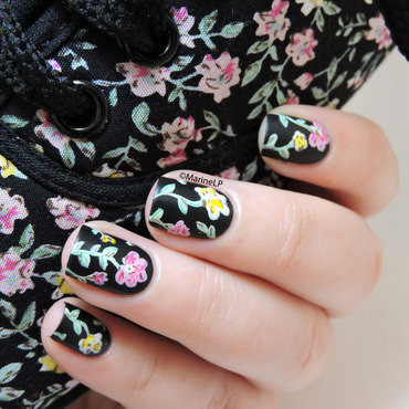 Black floral nails nail art by Marine Loves Polish