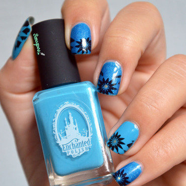 Sun Blue nail art by Sweapee