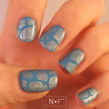 Blobbicure nail art by NerdyFleurty