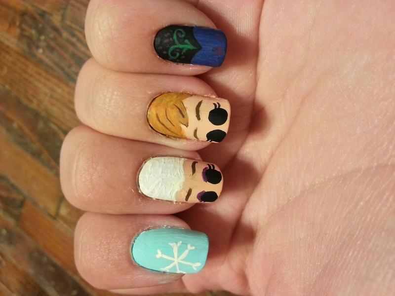 Elsa and Ana (Frozen) nail art by KiboSanti - Elsa And Ana (Frozen) Nail Art By KiboSanti - Nailpolis: Museum Of