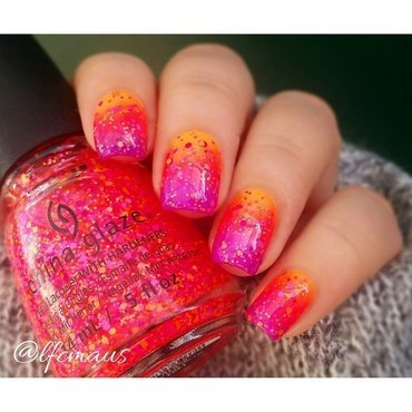 Summer gradient nail art by Arlett
