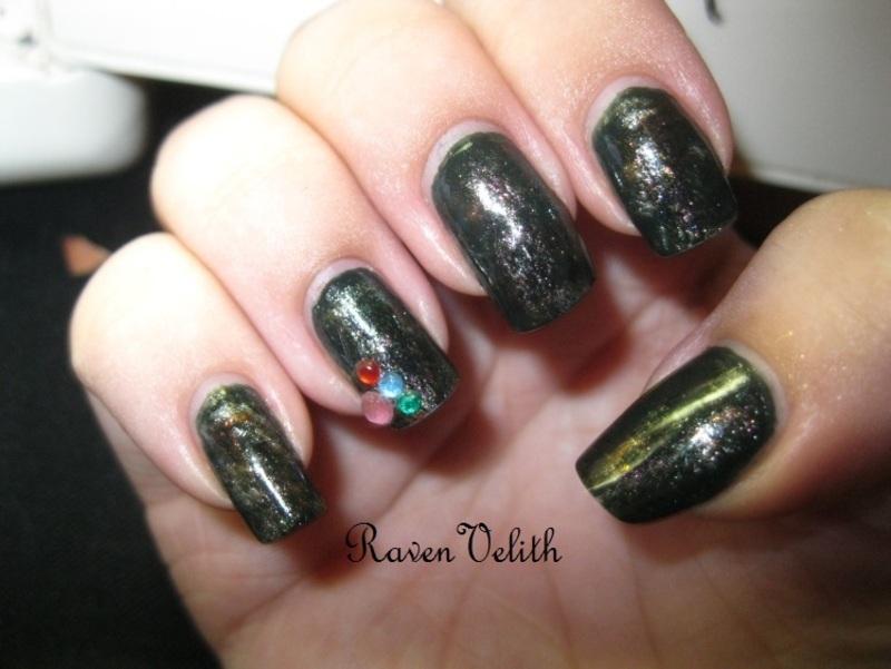 Greed nail art by Lynni V.