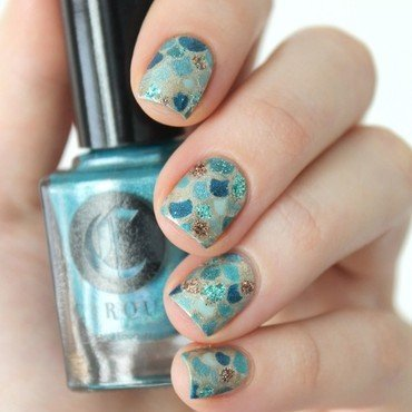 Mermaid scales nail art by Cocosnailss