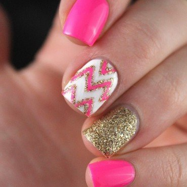 Gold and pink nail art by Cocosnailss