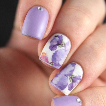Lilac flowers nail art by Cocosnailss