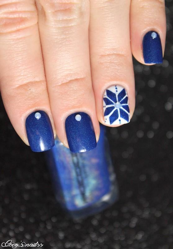 Fair isle nail art by Cocosnailss