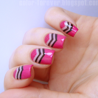 negative space chevron nail art by ania